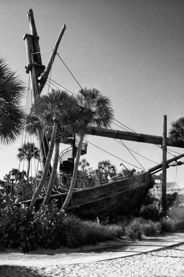 ship-wreck-yacht-club-disney-world